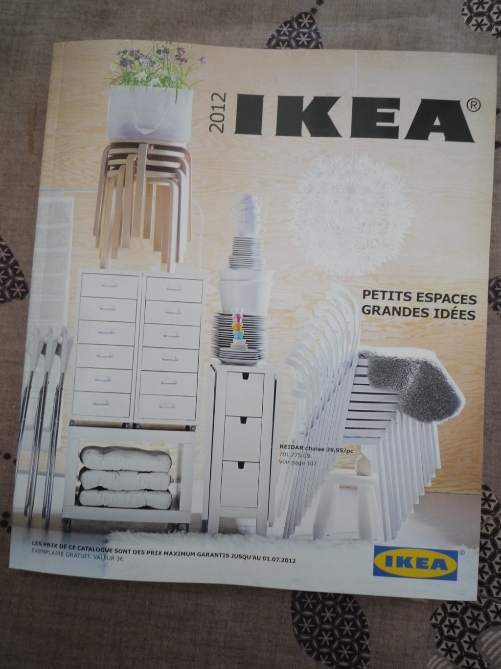 le nouveau catalogue ikea 2012 est l ikeaddict. Black Bedroom Furniture Sets. Home Design Ideas