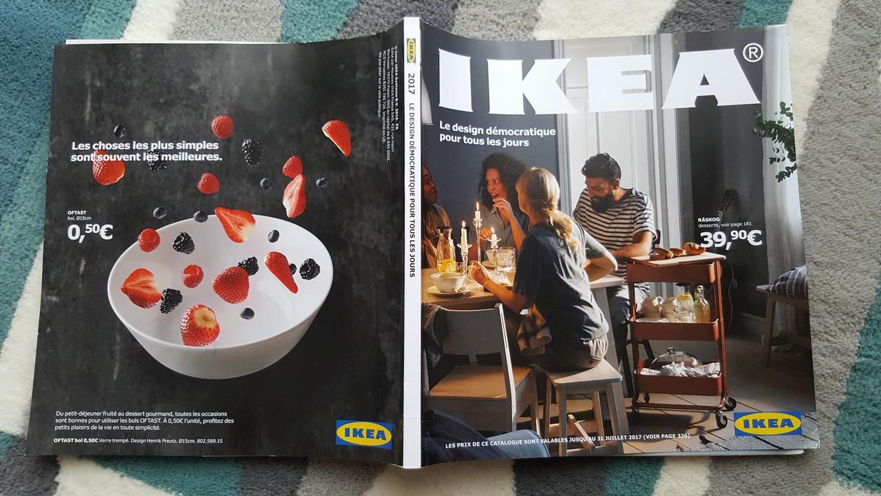 catalogue ikea 2017 le design d mocratique pour tous les jours ikeaddict. Black Bedroom Furniture Sets. Home Design Ideas