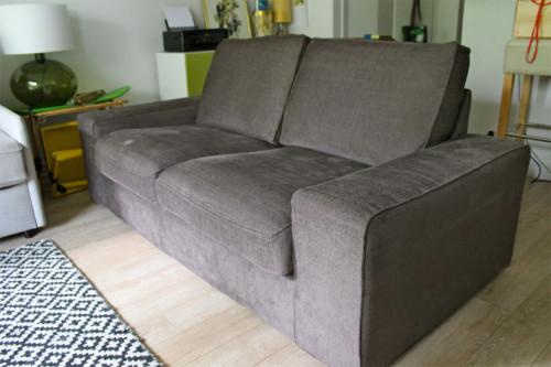 Canap kivik 2 places tullinge gris brun petites for Ikea canape kivik 2 places