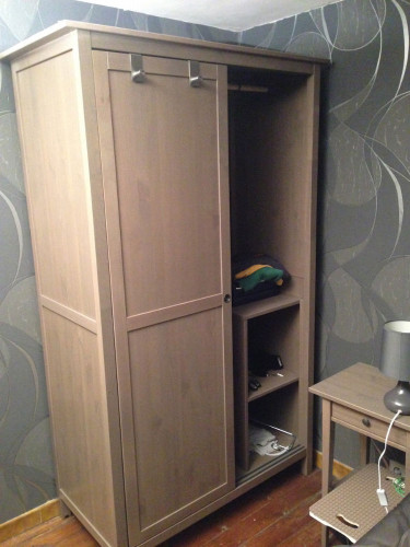 hemnes armoire 2 portes coulissantes petites annonces. Black Bedroom Furniture Sets. Home Design Ideas